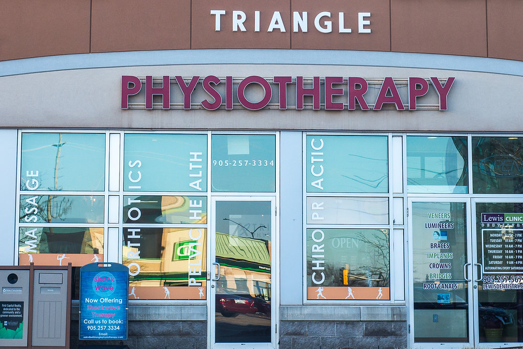 Oak DSC 3089 2 Triangle Physiotherapy Oakville Clinic